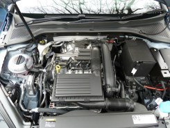 There is rather more room around the advanced 1.4 litre petrol engines than the 1.6 litre diesels.
