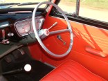 A dished steering wheel, with five 'stars' adorning its hub, greeted Anglia drivers. The speedometer was calibrated up to 80 mph, and also incorporated fuel and engine temperature gauges.
