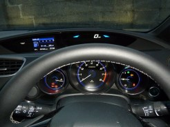 Clear instrumentation – including a digital dispaly for road speed, at the top of the dash.