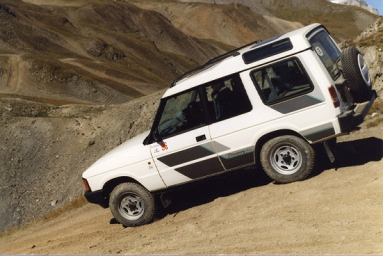 Like the Range Rover which arrived 19 years earlier, the V8-powered Discovery was a competent performer on tarmac, but importantly for many was also a formidable vehicle when used in off-road conditions, whether in barren deserts… (Photo courtesy Land Rover).