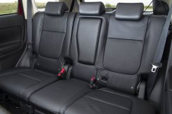 Mitsubishi Outlander diesel middle row of seats