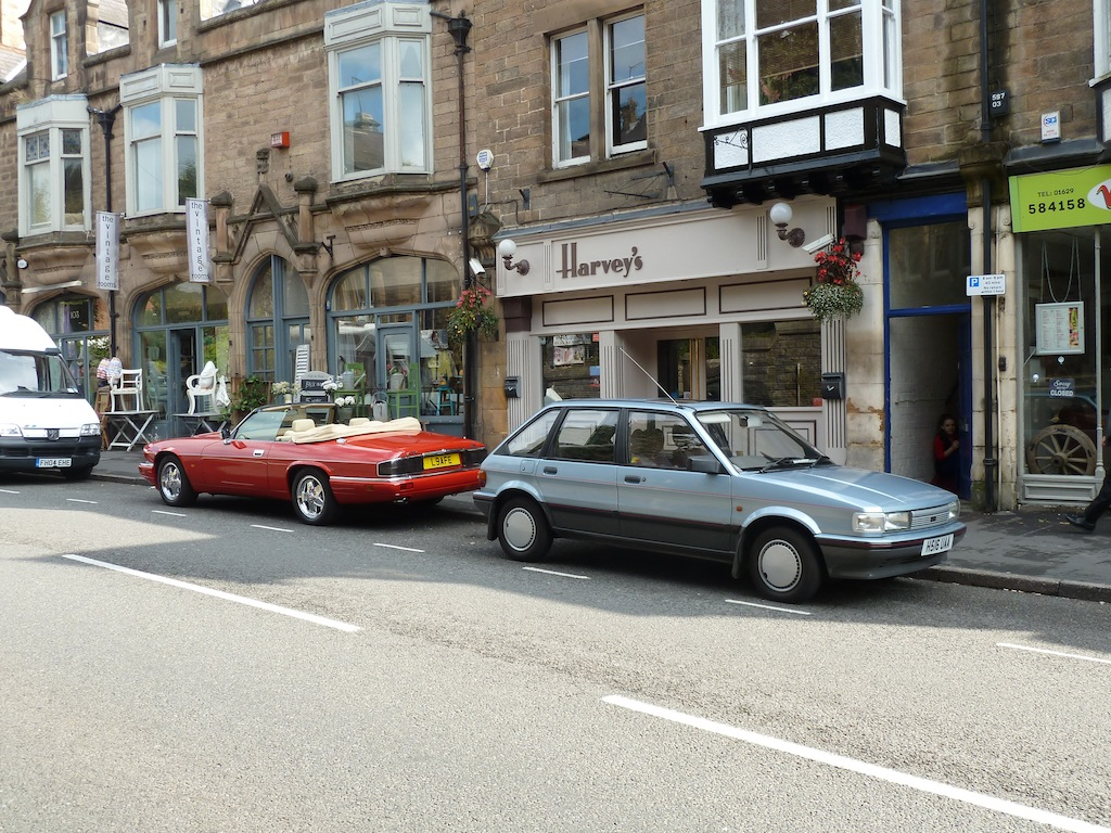 A Maestro on tour and a Jaguar XJ-S meet up in Matlock...