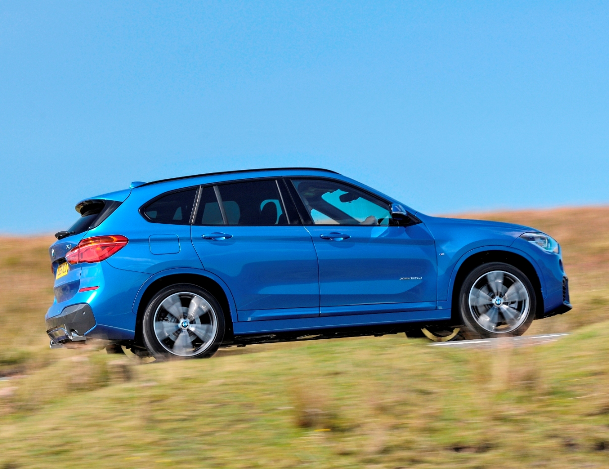 BMW new X1 side action copy