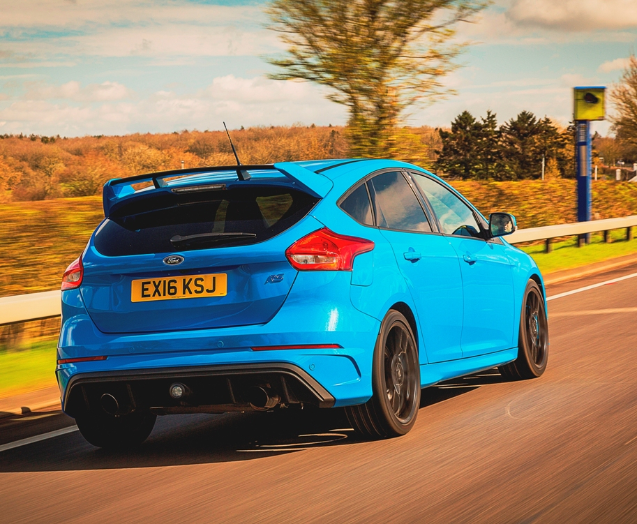 Ford Focus RS rear action - watch how you go!