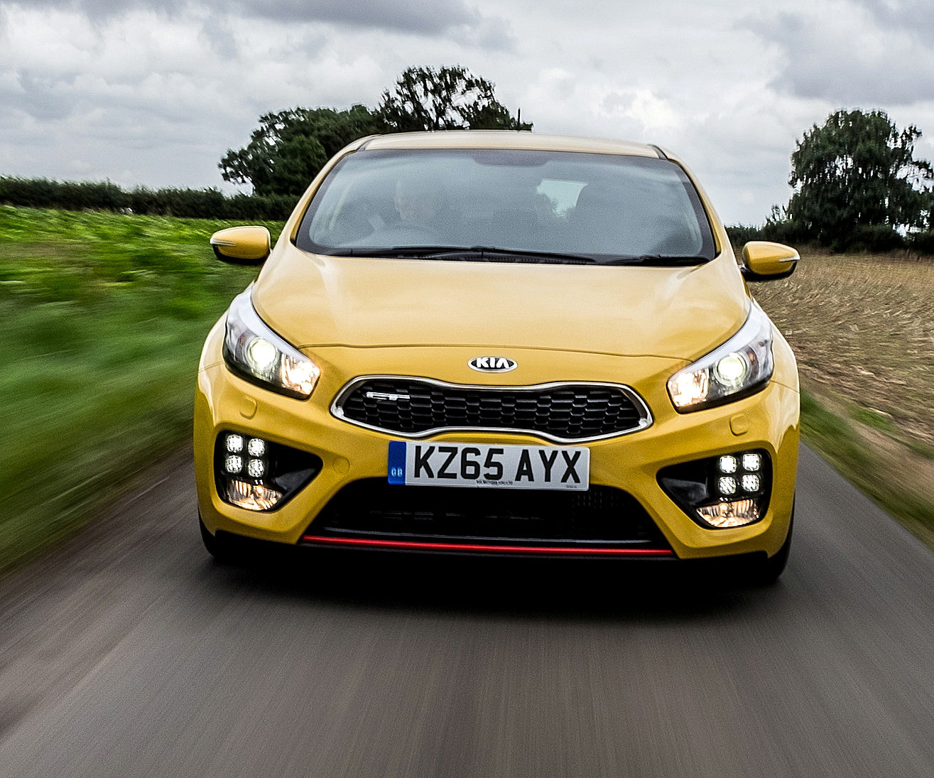 kia-pro_ceed-gt-front-action