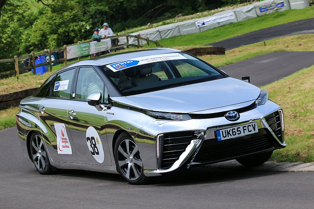 The Mirai being driven enthusiastically (not, in this case, by Chris) at Gurston Down hillclimb.