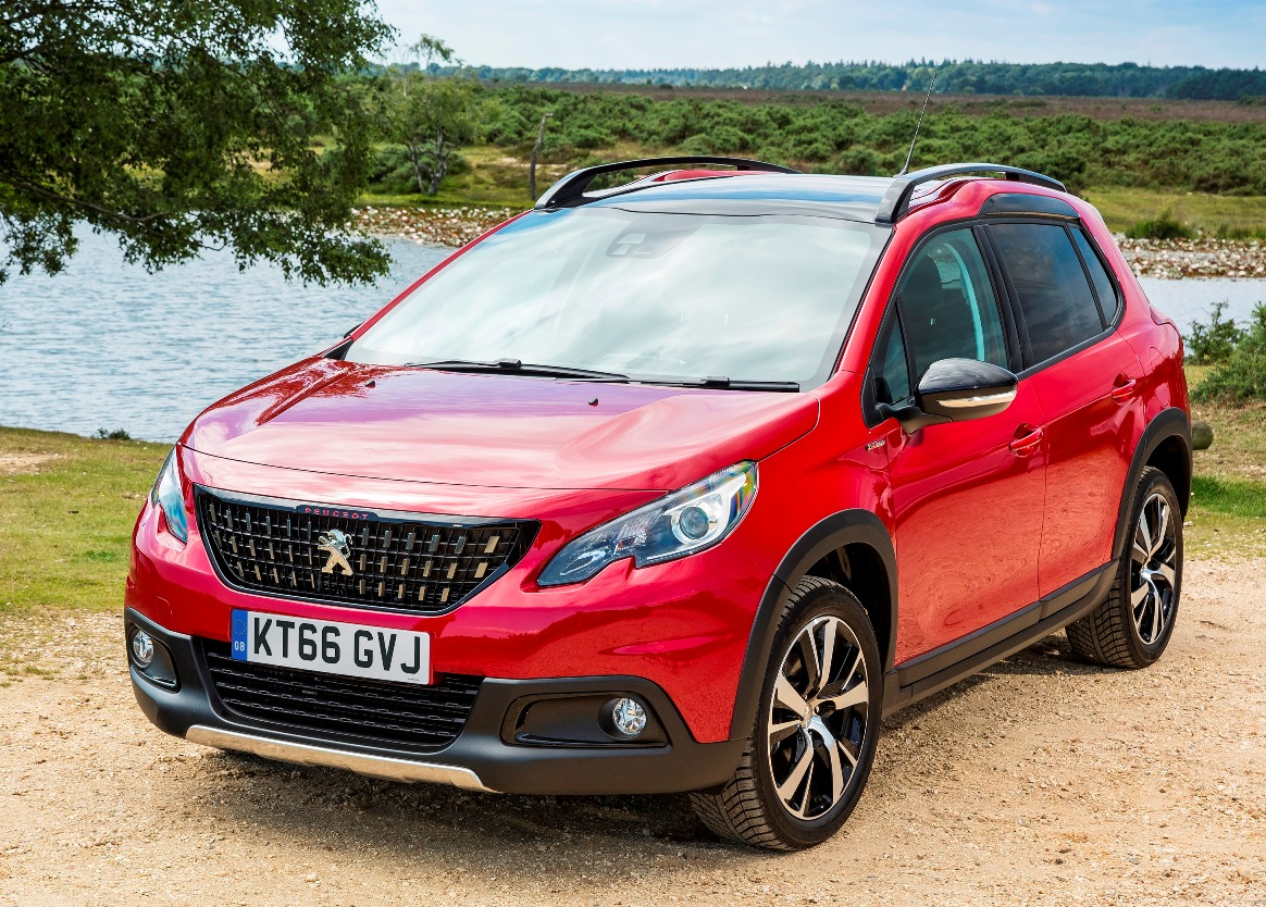 peugeot_2008_suv_-side-front-static
