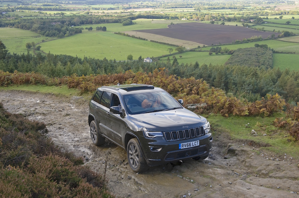 jeep-grand-cherokee-climbing-high-copy