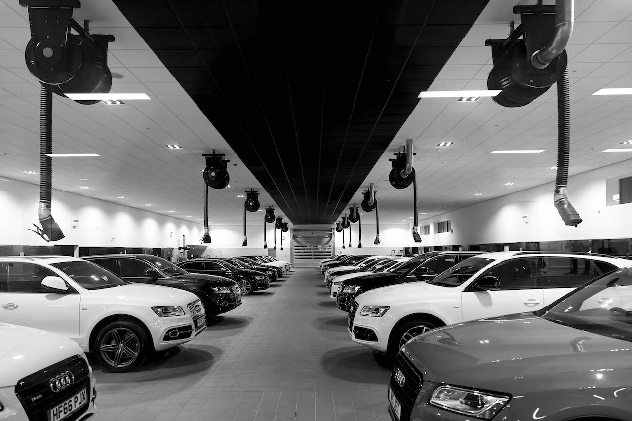 Poole Audi's impressive 24 bay workshop.