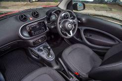 smart-fortwo-cabrio-front-interior