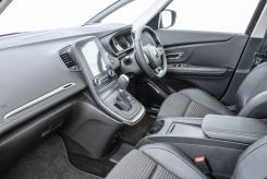 Renault Grand Scenic front interior seating jpg