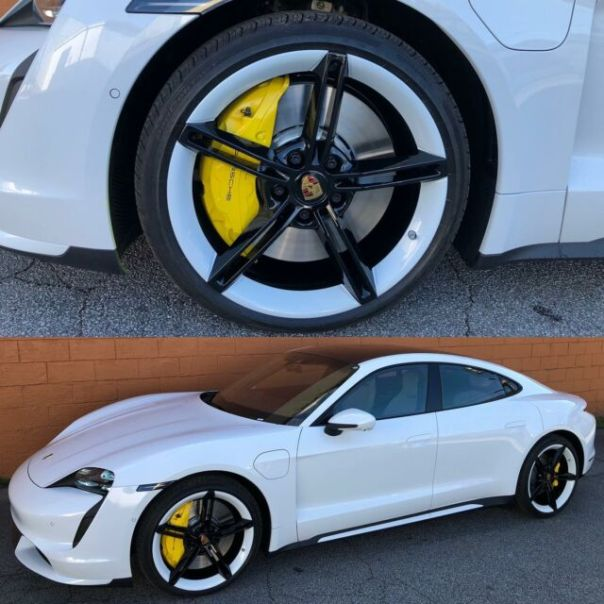 Two-tone wheels and brake calipers on this Tycan