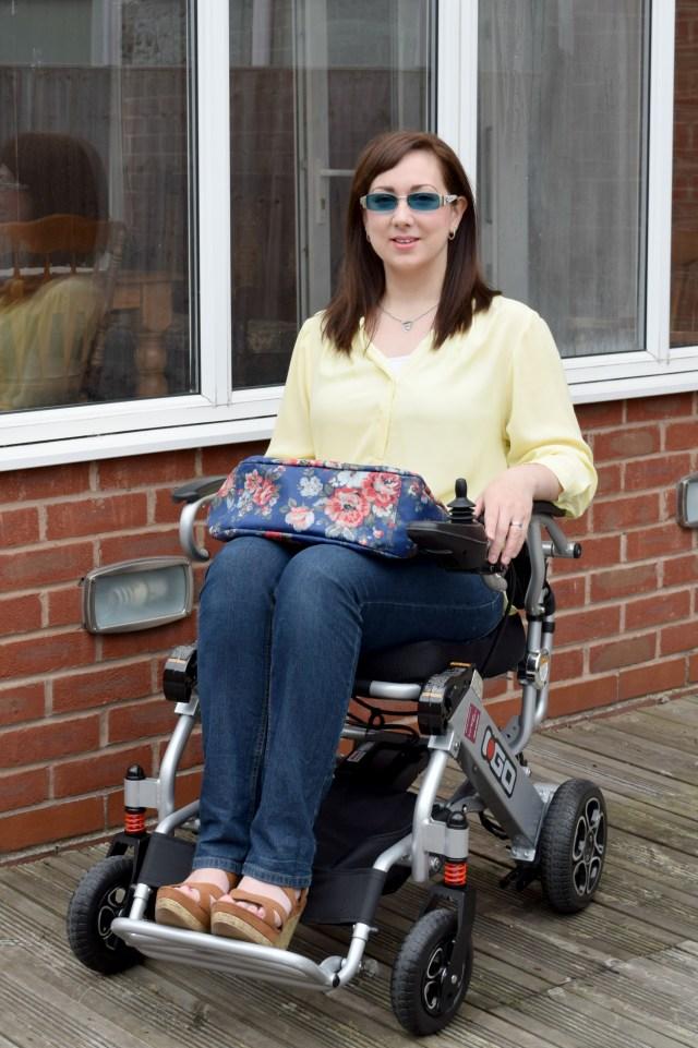 Yellow Roll Sleeve Shirt, wheelchair fashion