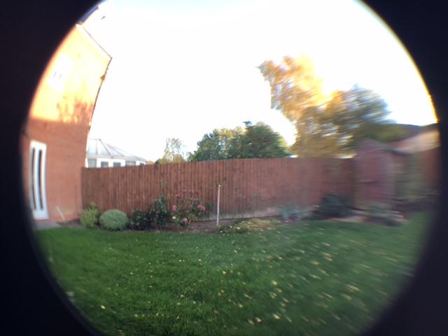 Olixar 3-in-1 Universal Camera Lens Clip