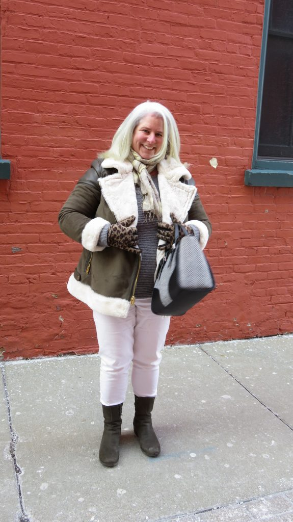 A Cute Coat for an Apple Shaped Woman! - www.whenthegirlsrule.com