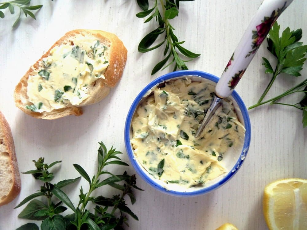 herbs garlic butter Mushrooms with Herb Butter and Almond Filling