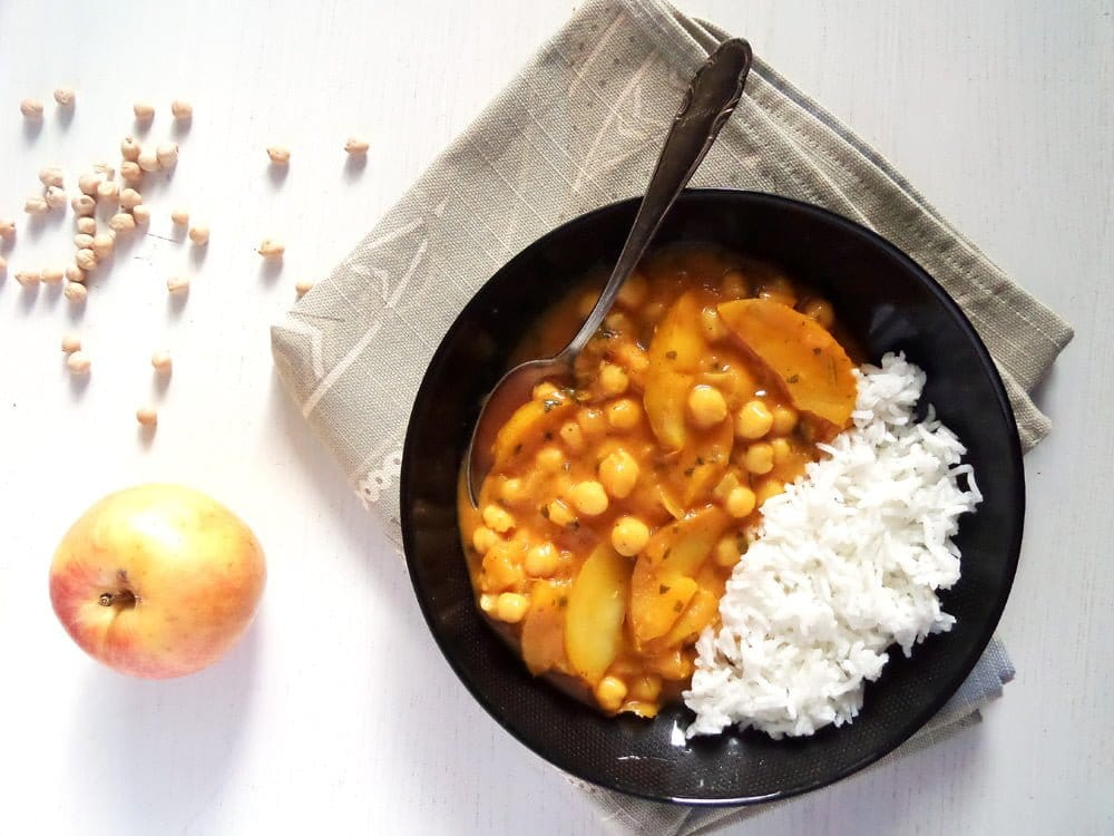 apple curry chickpeas Vegan Apple And Chickpea Curry