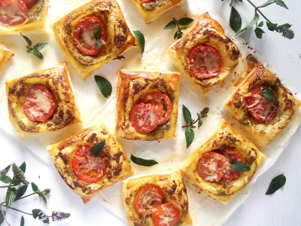 puff pastry bites Puff Pastry And Mint Pesto Nibbles