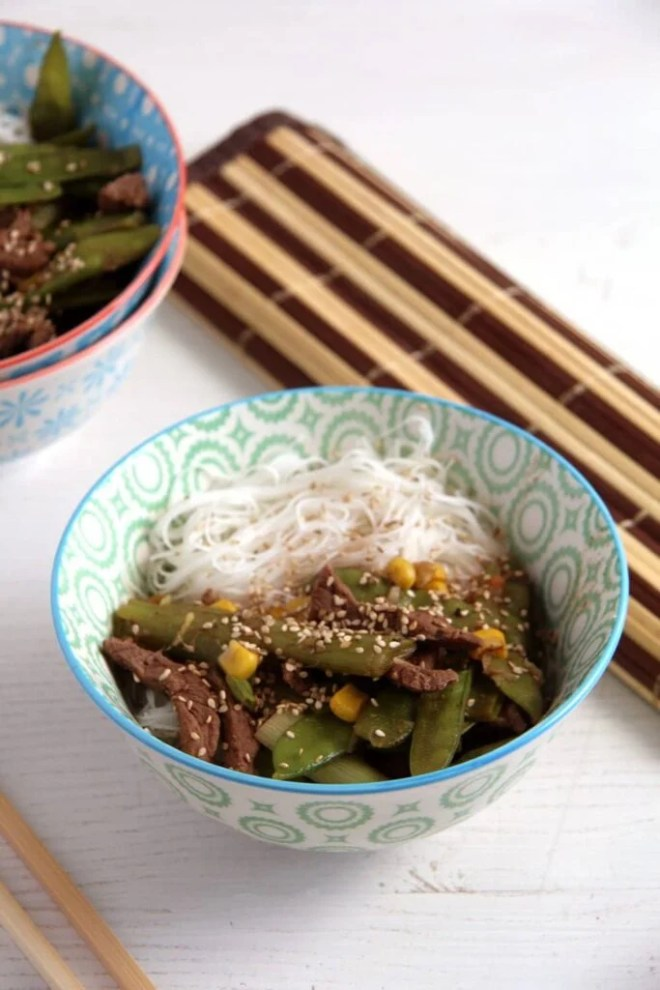beef with vegetables 683x1024 Aromatic Beef with Green Onions