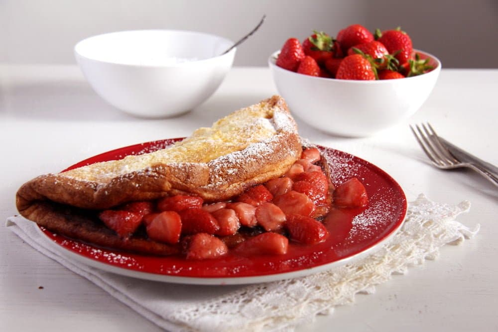strawberry thick pancakes Strawberry Sauce Mascarpone Quark Dessert with White Chocolate
