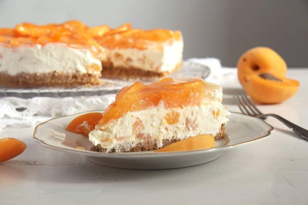 apricot cake White Chocolate Apricot Cheesecake