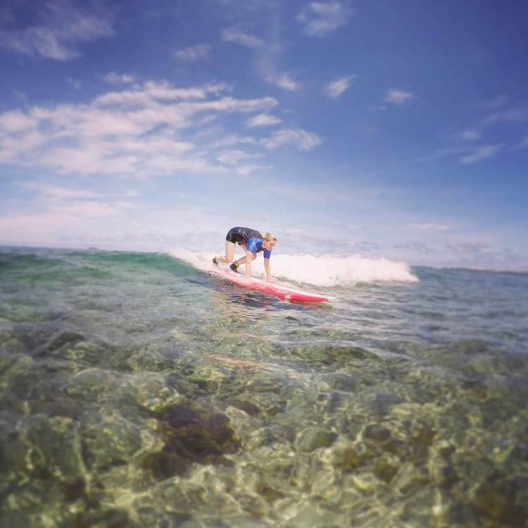 learn to surf siargao philippines