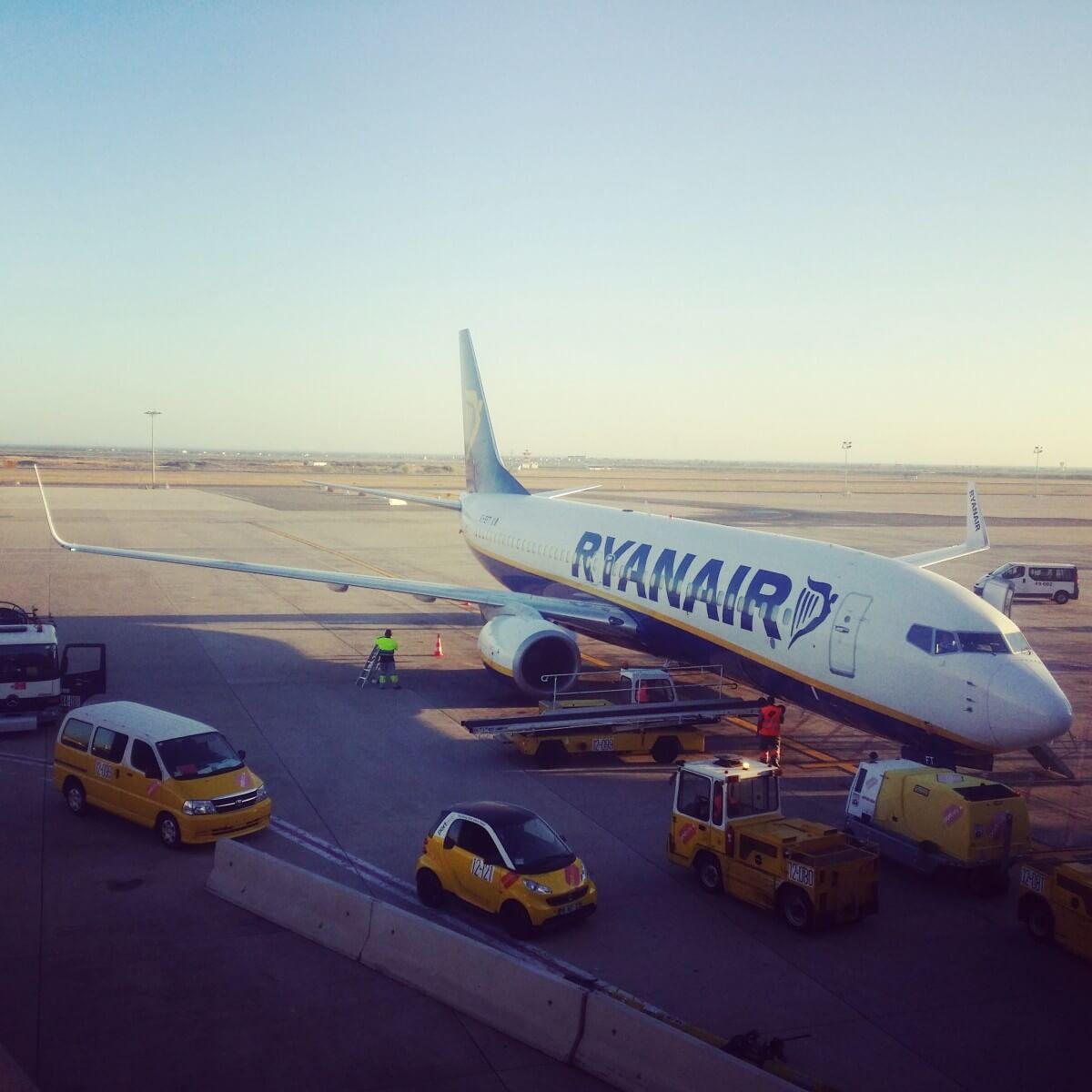 Secret Tips and Tricks For Flying Ryanair