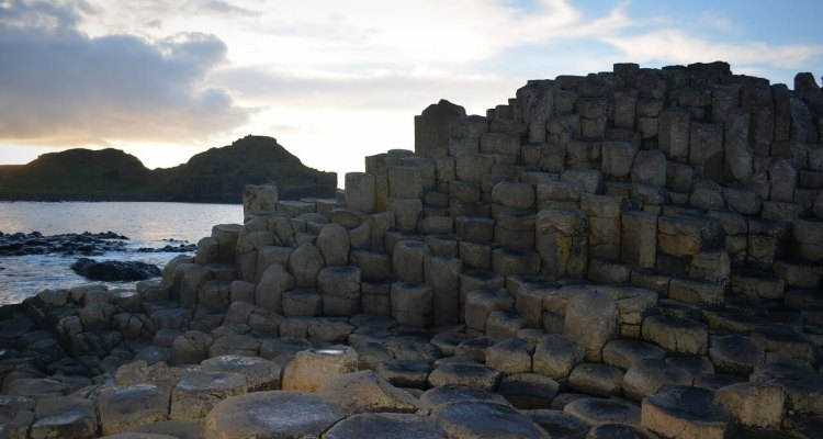 Giants Causeway Tour facts accommodation where is tara 5