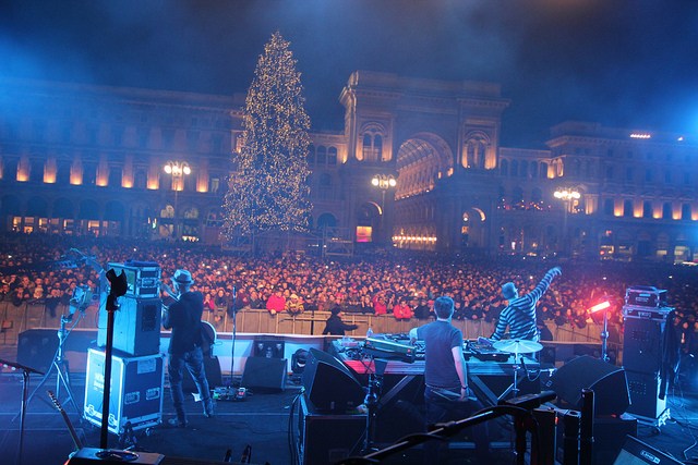 Dec Jan  New Year s Eve  What to Do  the Best Parties and More     New Year s Eve in Milan  Piazza Duomo