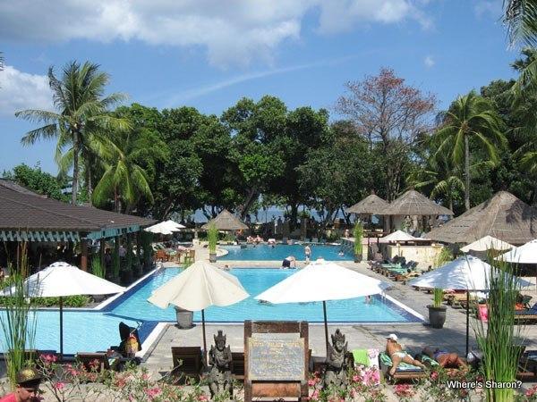 pools and facilities in hotel jayakarta legian