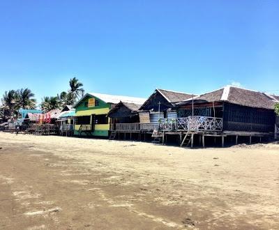 """""""shacks"""" from the beach in baybay roxas city"""