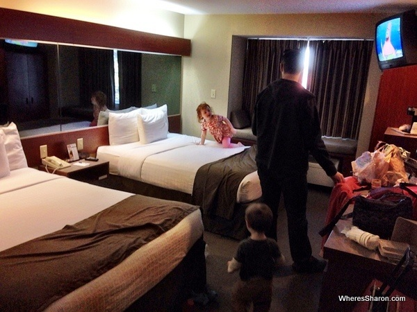 double room with kids at Microtel Inn and Suites Daphne, USA cheap motel chain