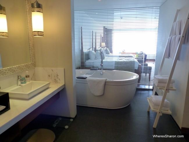 Samabe bali suites bathroom
