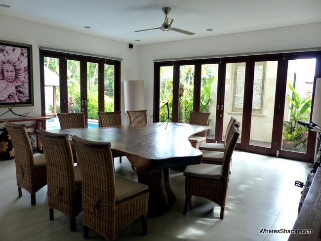 dining room in ubud family villa