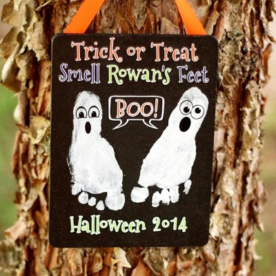 Halloween Footprint Craft: A Ghostly Keepsake!