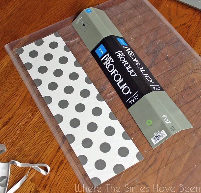 The BEST Way to Organize Vinyl Scraps Plus FREE Cut Files! Whether you have a Silhouette, Cricut, Brother, or another die-cutter, this tool can help you get organized AND save you money! Via Where The Smiles Have Been