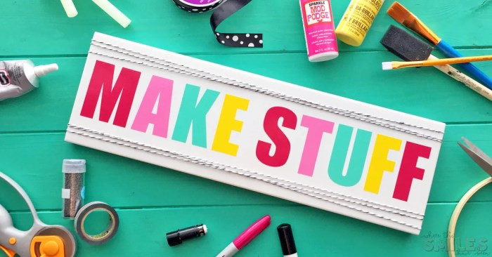 Cute & Colorful 'Make Stuff' Craft Room Sign | Where The Smiles Have Been #craftroom #sign #vinyl #Silhouette #Cricut