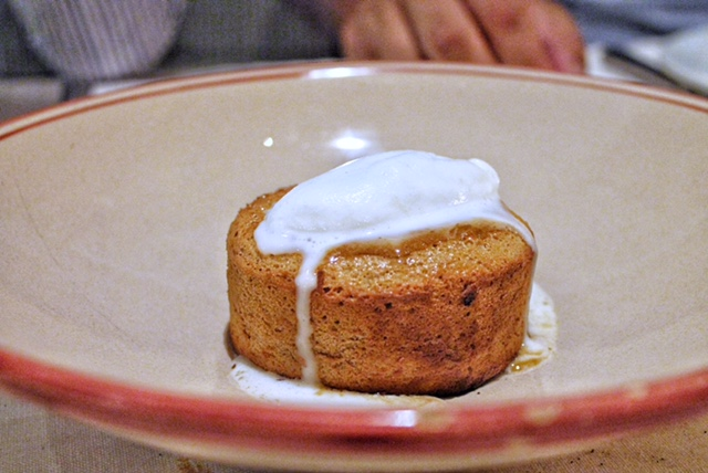 Fuego Restaurante Carta. Almond