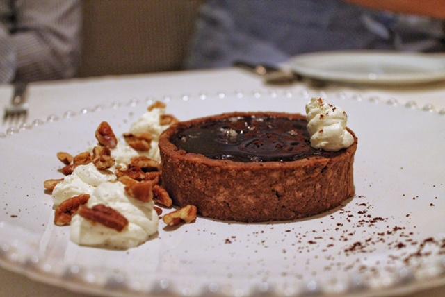 Fuego Restaurante Carta. Tarta de chocolate ahumado