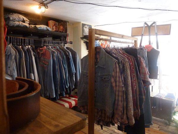 Selling Vintage & Designer Clothes Online & At Auction Houses.