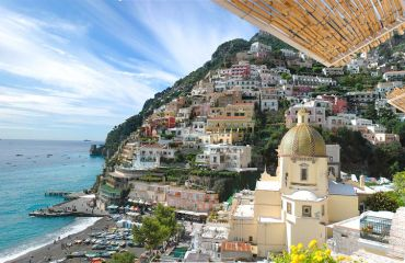 balcony view of positano italy