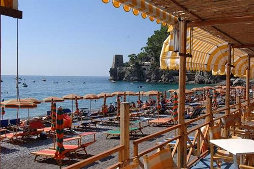 hotel-pupetto-beach-restaurant