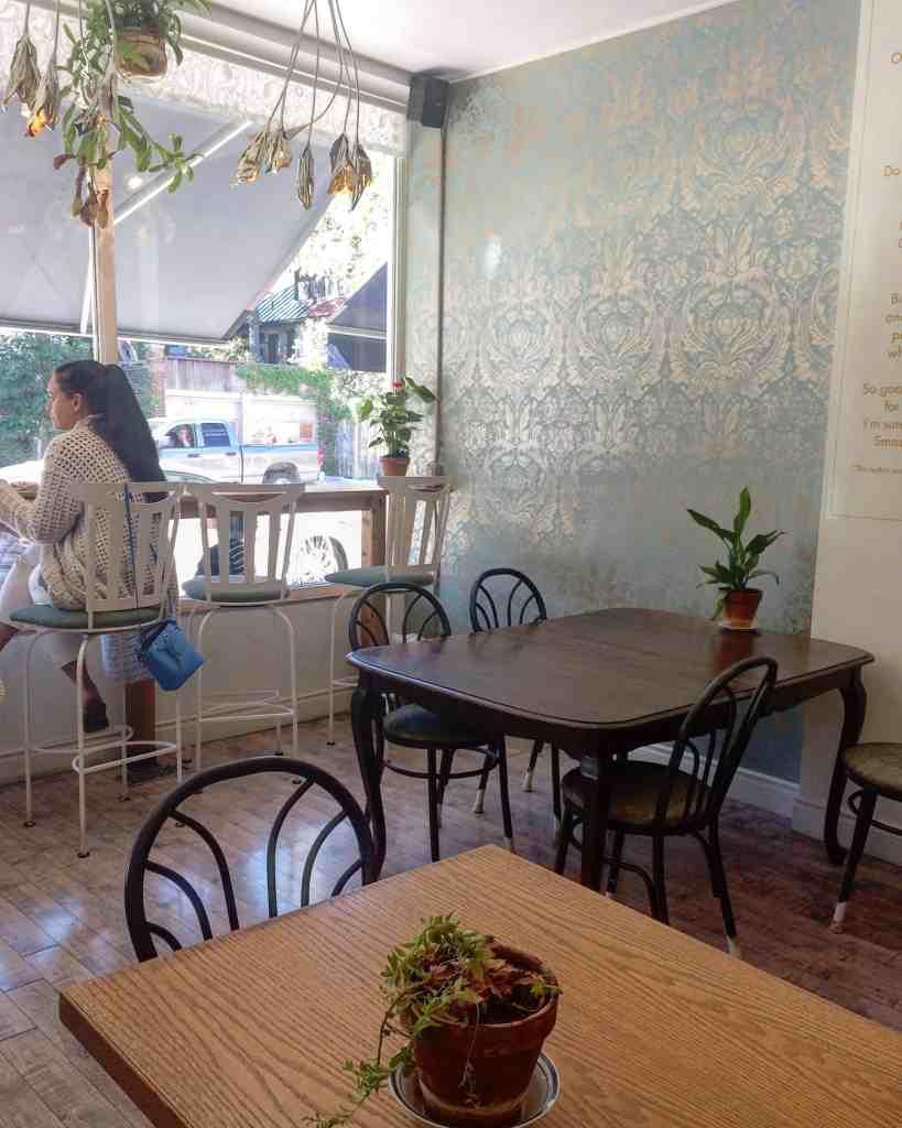 Fantail Bakery in Toronto - Bar seating