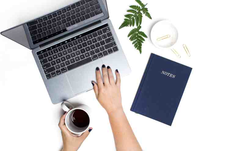 How to Make Money Freelancing Online: Featured