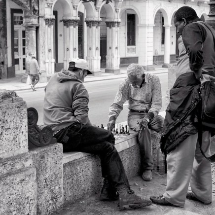 HC - Playing Chess in Havana - Sue Hingley
