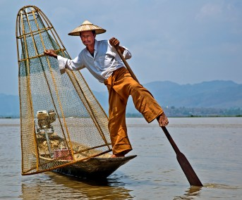 Leg fisherman-Inle Lake