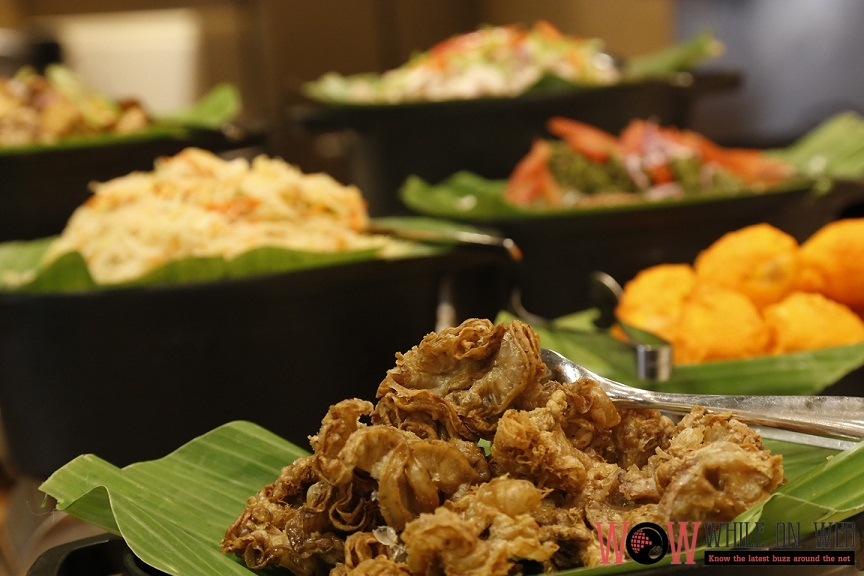 Street food staples such as Chicharon Bulaklak, grilled pork and chicken gizzards, and Tokwa't Baboy