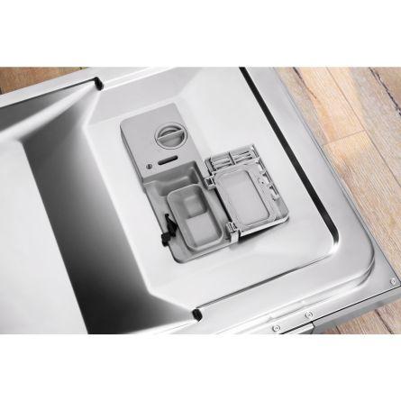 Maşini de spălat vase Indesit: Linie slim, culoare silver