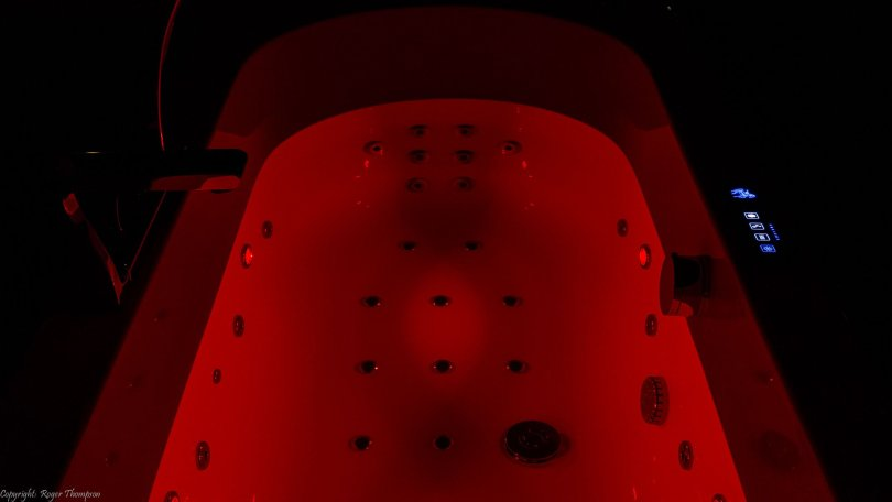 Deep red chromotherapy from four LED lights by Pegasus