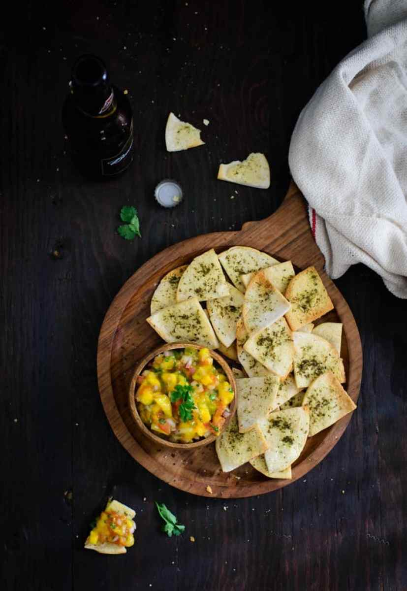 Mango salsa is a quick and easy recipe which can be enjoyed with crackers or chips. Do make this Mango Salsa recipe while the Mangoes are in season.